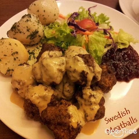 Meatballs served w/ homemade creamy sauce, parsley potatoes & lingoberry jam $18.50