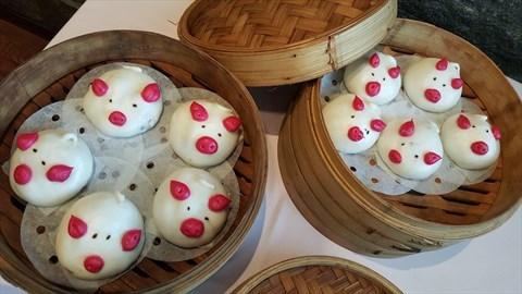 Steamed Piggie Cha Siu Bao 一籠八戒